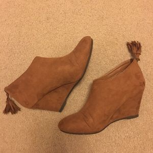 Chinese Laundry wedge booties